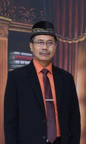 Kepala Sekolah SMP Islam Al Azhar 6